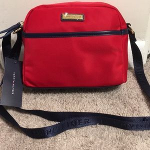NWT| Authentic Tommy Hilfiger Small Crossbody Bag